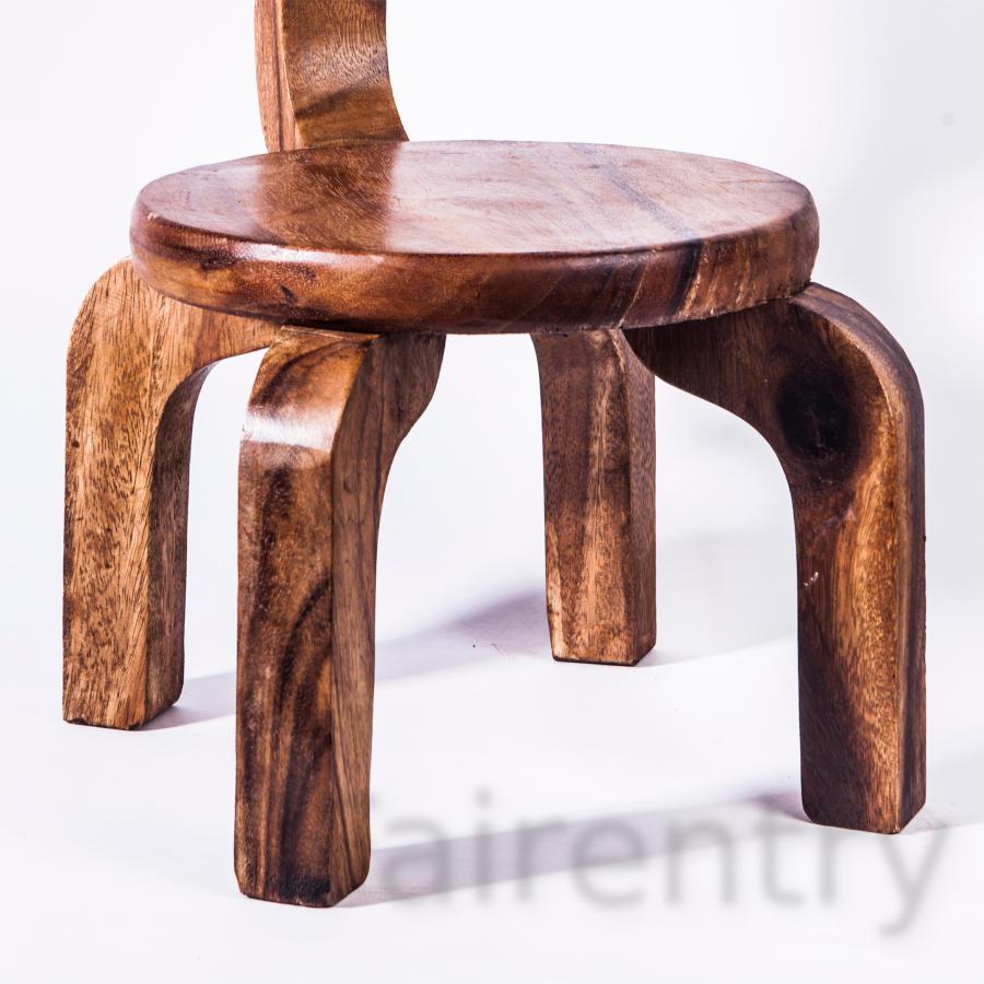 Robuster Kinderstuhl Stuhl massiv aus Holz f/ür Kinder mit Tiermotiv Ente 25 cm Sitzh/öhe